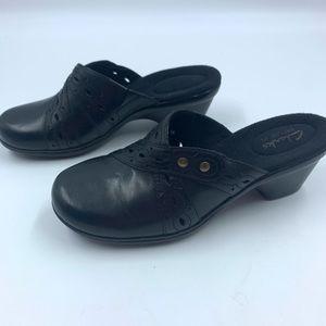 Clarks Bendables 5.5 Women's Clogs Mules Black